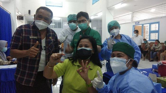 Dinkes Karo Salurkan Vaksinasi Dosis Ketiga Untuk Nakes, Pertama Kali Dilakukan di RSU Kabanjahe