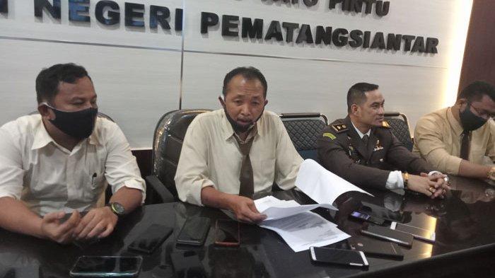 AKHIRNYA Kejari Siantar Tahan Kadiskominfo Posma Sitorus dan Eks Sekretaris Acai Sijabat