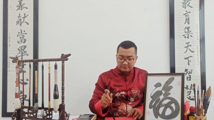 Padukan Seni dan Energi, Budayawan Tionghoa Medan Nilai Kaligrafi Punya Nilai Harapan dan Doa