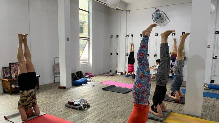 TFC PREMIUM: Kamalini Yoga, Semua Kalangan Bisa Ikut Yoga Tanpa Batasan Usia