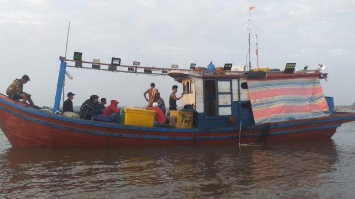 TNI AL Gagalkan Penyeludupan 28 TKI Ilegal Ke Malaysia, Seorang Diantaranya Balita Perempuan