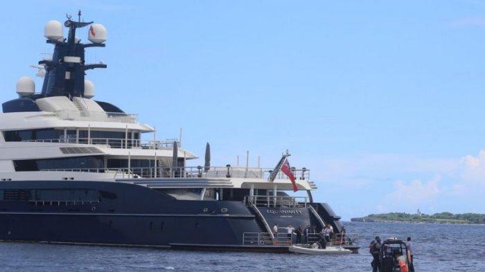 Kapal pesiar mewah Equanimity yang ditaksir bernilai Rp 3,4 triliun yang disita Indonesia saat berlabuh di perairan Bali.
