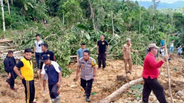 Satu dari Tujuh Korban Longsor Ditemukan, Kapolres Nisel: Evakuasi Terhambat Medan yang Sulit