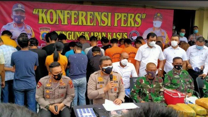 Kapolrestabes Medan, Kombes Riko Sunarko menyampaikan pengungkapan kasus di Mapolrestabes Medan, Senin (14/6/2021).