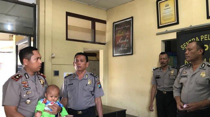 Seorang Ibu Tega Meninggalkan Bayinya di Halte Bus, Bilang ke Polisi: Untuk Bapak Aja!