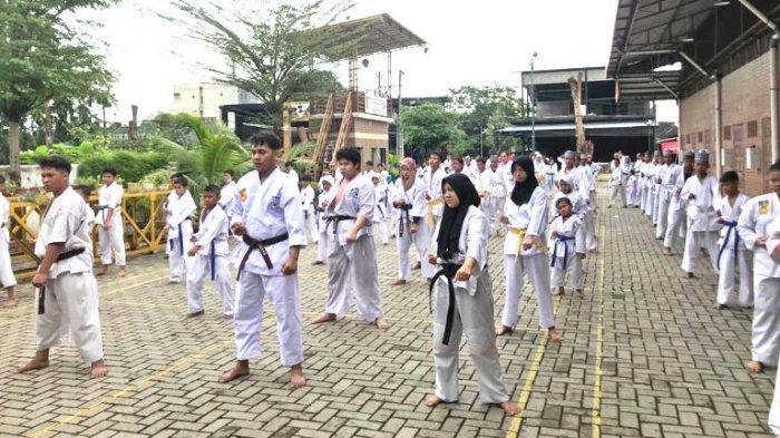 150 Karateka Kala Hitam Latgab Jelang HUT ke 50
