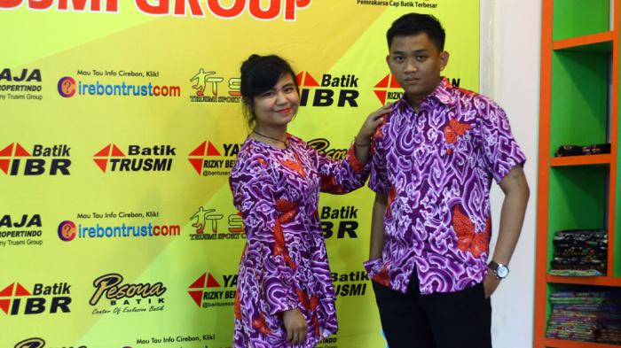 Pakai Batik dapat Batik di Toko Batik Trusmi