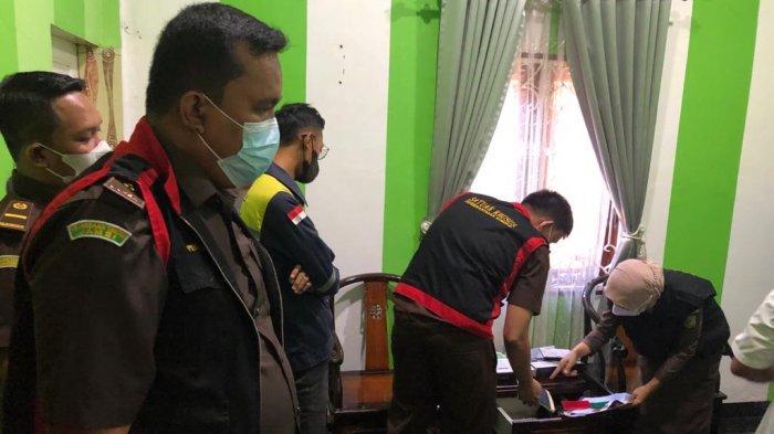 Jaksa Geledah Rumah dan Kantor Oknum PNS Dishub Juanda, Pengamat Hukum : Harus Sampaikan Pada Publik