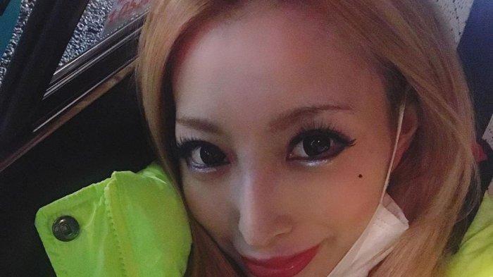 Kato Sari, cewek Jepang - Tampangnya Saja Cantik, Wanita Ini tak Sudi Hidup Miskin, Tega Ceraikan Suami Seminggu Nikah (Instagram / Kato Sari)