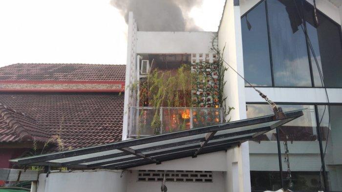 Satu Unit Rumah Di Komplek Bumi Asri Terbakar, Diduga Mesin Cuci yang Korsleting