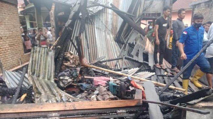 Api dari Tungku Menyambar Dinding, Satu Unit Rumah Ludes Terbakar
