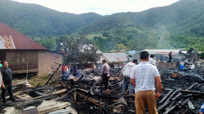 Belasan Rumah di Kutabuluh Ludes Dilalap Si Jago Merah, Kerugian Mencapai Rp 800 Juta