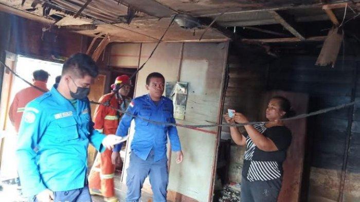 Satu Unit Rumah di Karo Dilalap 'Si Jago Merah', Pemilik sedang Pergi, Ini Dugaan Penyebab Kebakaran