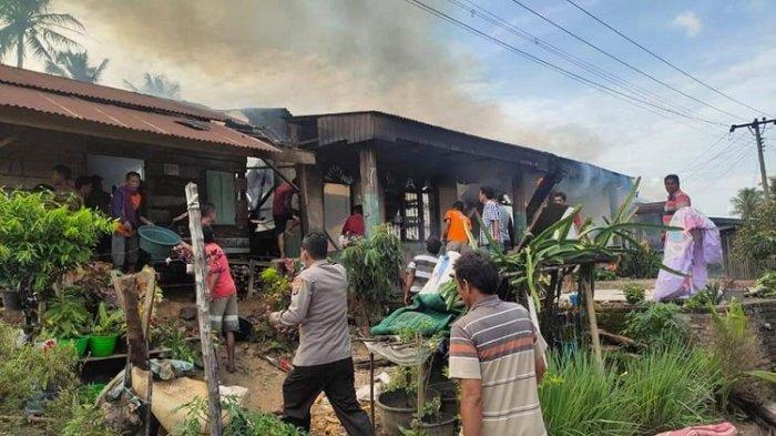 Kebakaran di Desa Mardingding Karo, 9 Rumah dan Bekas Kantor Desa Hangus Dilalap Api