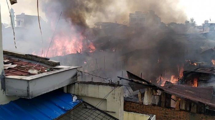 18 Rumah Hangus Terbakar di Siantar, Api dari Kompor Lupa Dimatikan