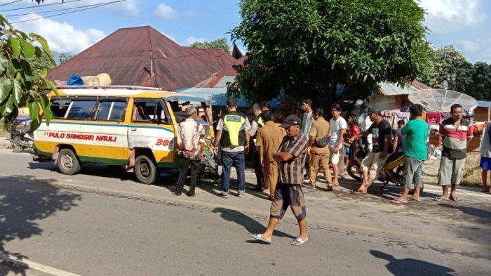 16 Penumpang Luka-luka 'Adu Kambing' Antara Angkutan Umum dan Avanza