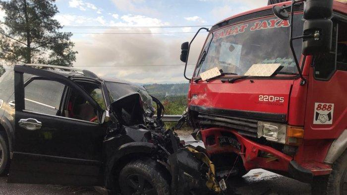 Kecelakaan Beruntun 3 Mobil di Humbang, Korban Sekeluarga Luka-luka, 1 Orang Tewas