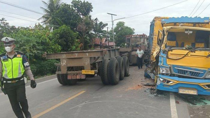 Tiga Unit Truk Terlibat Kecelakaan, Sopir Kritis dan Sulit Dievakuasi