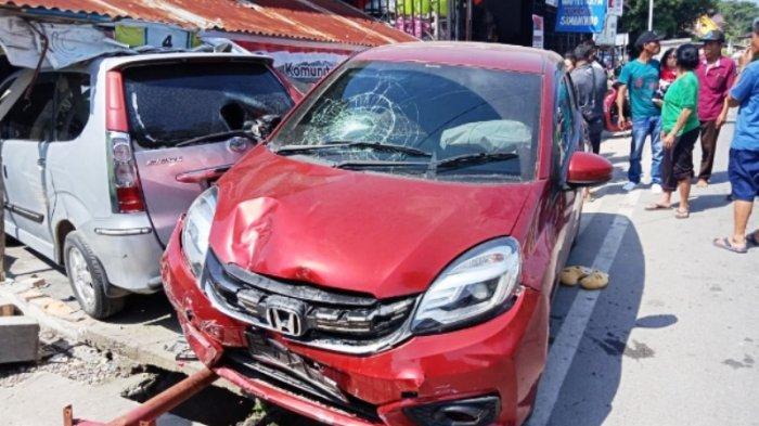 Kecelakaan di Simanindo, Dimson Sidauruk Terseret 5 Meter Diseruduk Mobil