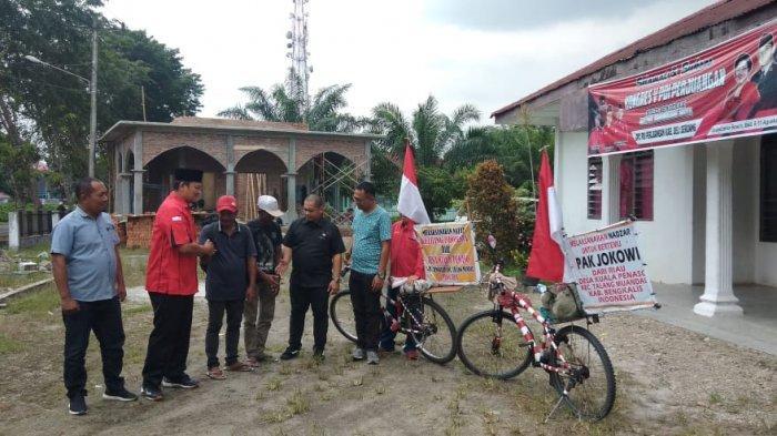 Dua Pria Tua Ini Nekat Hendak Keliling Indonesia Naik Sepeda, Ini Alasannya