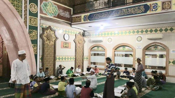 Hindari Anak-anak Main Petasan, Masjid Raya Al Hidayah Gelar Tadarusan