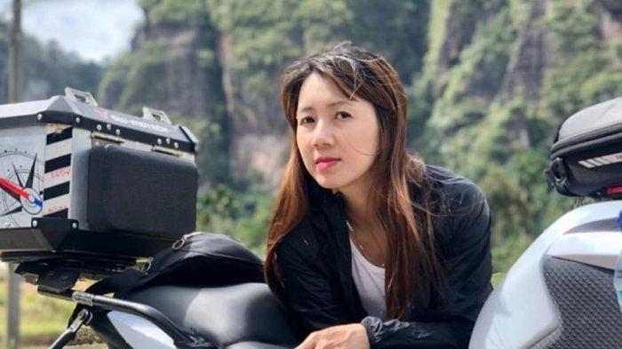 SOSOK Lisa Wati, Dokter Gigi yang Hobi Travelling Sambil Bakti Sosial