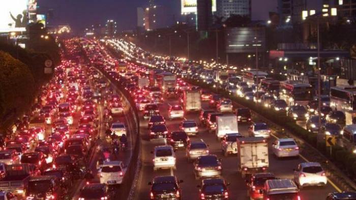 Jalanan Macet Padahal Gak Ada Kejadian Apa-apa? Ternyata Ini Jawabannya