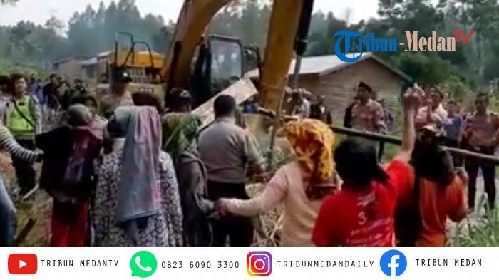 BREAKING NEWS: Ricuh di Tobasa, Warga dan Polisi Bentrok saat Alat Berat Buka Akses Pariwisata