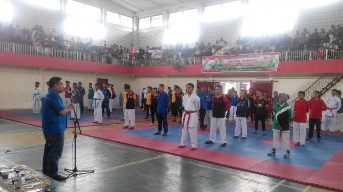 Benny Motivasi Karateka Porkot Bisa Ikuti Jejak Nicky Dan Dwi Tribun Medan