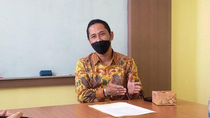 Mukti Fajar Nur Dewata, Ketua Komisi Yudisial, Aktif Menulis Buku dan Artikel, Tekuni Hukum Ekonomi