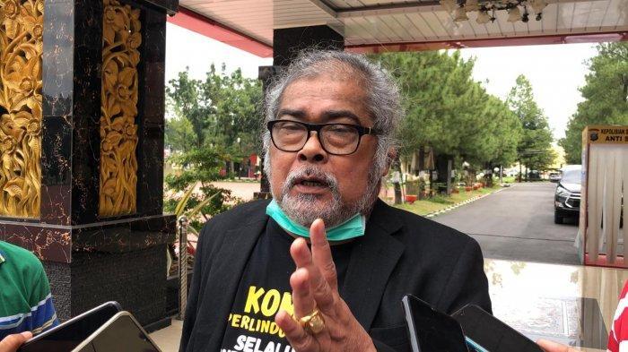 Ketua Komnas PA, Aris Merdeka Sirait ditemui usai beraudensi dengan Kapolda Sumut Irjen Pol Martuani Sormin, di Mapolda Sumut, Jalan Sisingamangaraja, Kota Medan, Senin (21/12/2020).