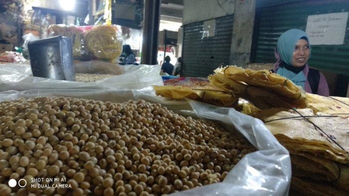 Alami Lonjakan, Pengecer di Medan Jual Kacang Kedelai Rp 10 Ribu per Kilogram