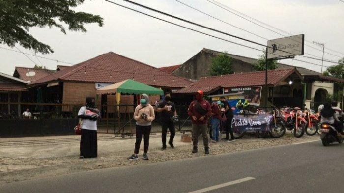 Komunitas Motor COM dan BOS Medan Berbagi Takjil kepada Masyarakat