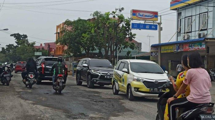 Jalan Bunga Asoka Dibeton Bulan Depan, Warga Berharap Pembangunan  Tidak Ditunda