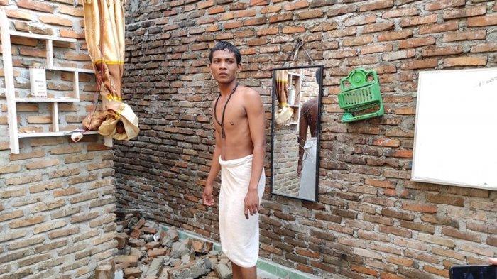 Rumahnya Diterjang Puting Beliung, Pemuda Ini Teriak Allahu Akbar Sambil Peluk Adiknya