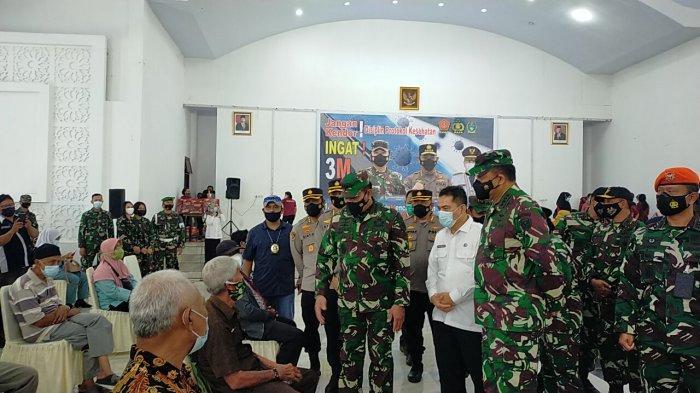 Dua Jenderal KSAU-KSAL dan Komjen Kalemdiklat Polri Tinjau Vaksinasi di Asrama Haji Medan