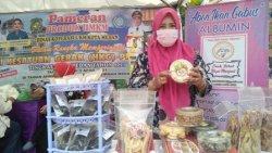 Seminggu Jelang Ramadan, Pedagang Busana dan Kue Kering Mulai Diserbu Pembeli