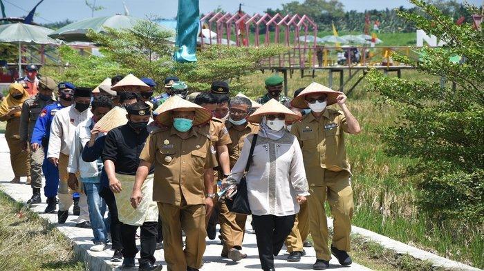 Kunjungi Desa Denai Lama, Komisi X DPR Apresiasi Pemkab Deli Serdang