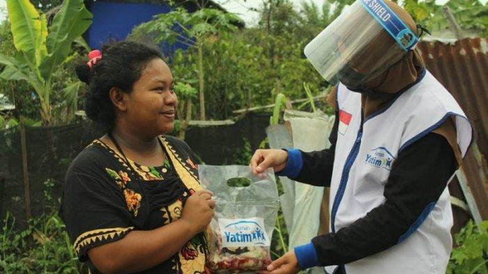 500 Masyarakat Prasejahtera di Kota Medan Terima Daging Kurban Rumah Yatim