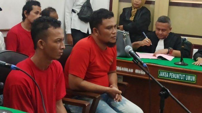 Kurir Ganja Menangis Dihukum Penjara 18 Tahun: Tolong Pak Hakim, Anak Yatim Saya 6 Orang