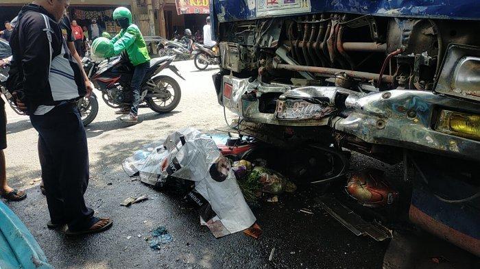 Kecelakaan Simpang Selayang, Korban Terseret Hingga Terjepit Badan Truk, Supir Sempat Berteriak