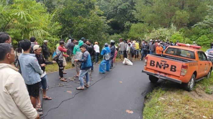 Tragis, Bus yang Ditumpangi Satu Keluarga Terjun ke Jurang di Dairi, Dua Orang Tewas