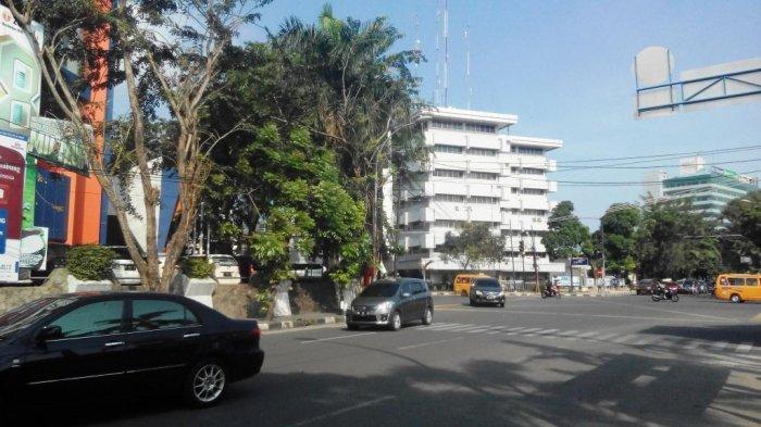 Arus Lalu Lintas di Simpang Hotel Danau Toba