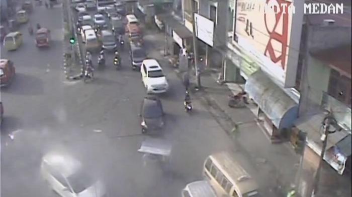 Arus Lalu Lintas Sore di Jalan Dr Mansur dan Sei Sikambing Ramai Lancar