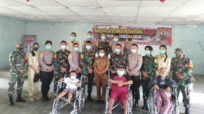 Latsitardanus XLI Bagikan 40 Kursi Roda ke Penyandang Disabilitas dan 1000 Sembako ke Warga