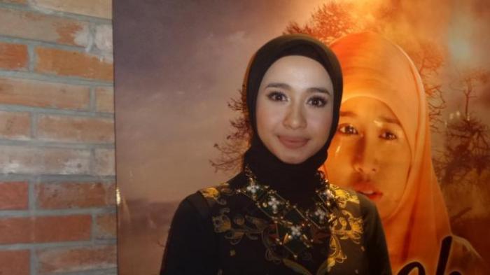 Laudya Cynthia Bella hadir dalam gala premier film Aisyah di CGv Blitz Grand Indonesia, Jakarta Pusat, Senin (2/5/2016) malam.