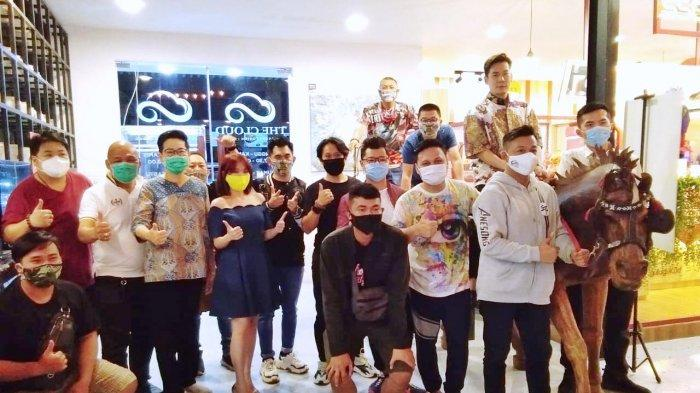 Lelang Amal Pekzhang Jumbo Kerjasama Pempek Sriwijaya dan Rotary Club, Bantu Panti Jompo di Medan