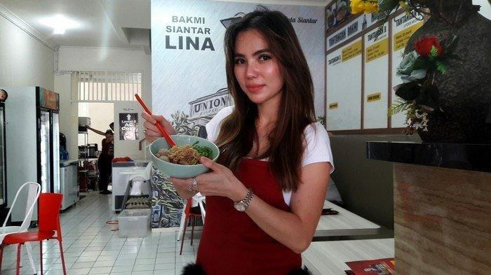 Penjualnya Cantik, Masyhurnya Bakmi Siantar Lina Hingga Terkenal Sampai Tangerang