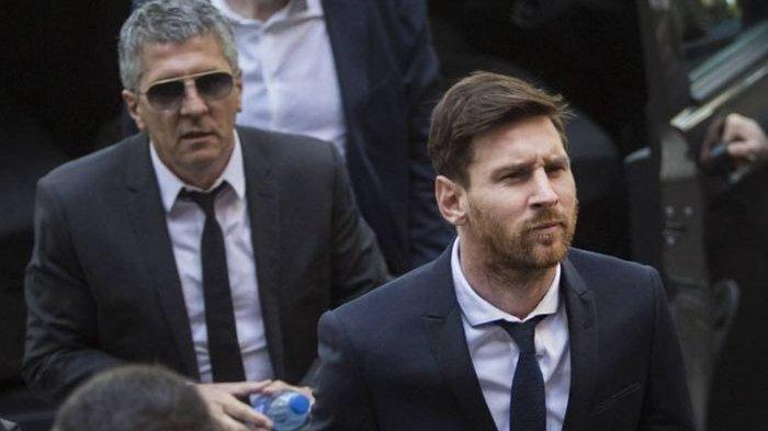 Lionel Messi dan ayahnya, Jorge Messi (kiri).