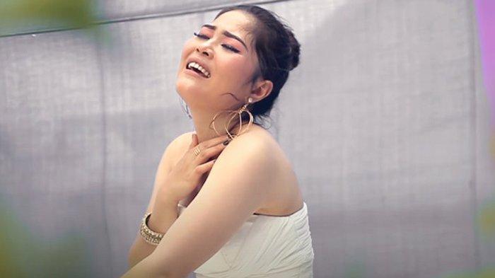 Sosok Maharani Br Tarigan, Alumni Etnomusikologi USU yang Jadi Diva Karo